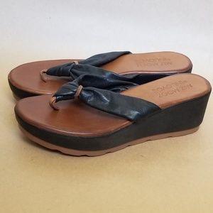 Miz mooz inuovo leather platform flip flop sandal
